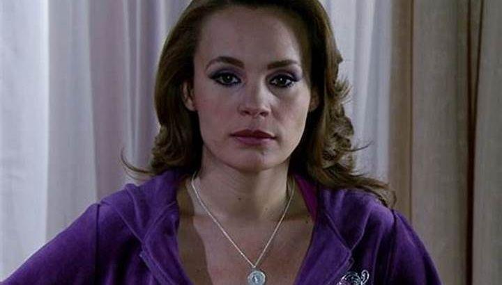 Roberta com expressão de decepção