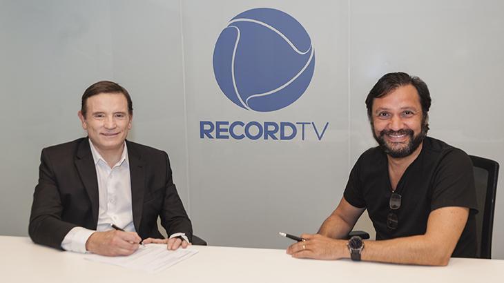 Record anuncia oficialmente a contratação de Roberto Cabrini