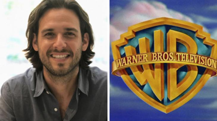 Roberto Patino e o logo da Warner Bros.