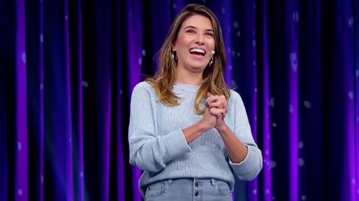 Rebeca Abravanel sorrindo