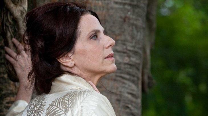Rosaly Papadopol na peça Hilda Hilst