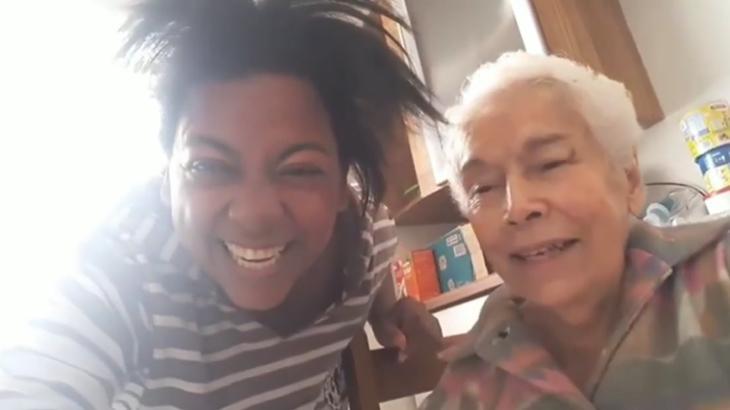 """Dona de casa conquista Maisa e Marquezine com dança \""""bagaceira\"""" no SBT"""