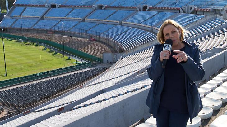 Claudete Troiano grava programa especial no Uruguai