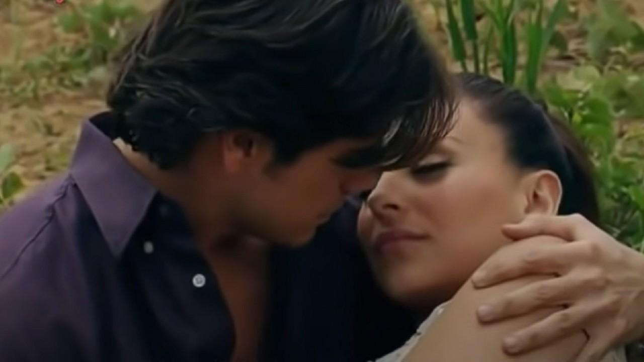 Cena de Coração Indomável com Maricruz e Otávio quase se beijando