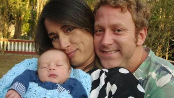 Sérgio Hondjakoff mostra o rosto do filho pela primeira vez