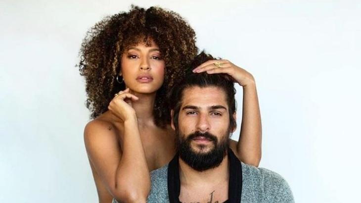 Sheron Menezzes aparece nua em foto ao lado do marido, o lutador Saulo Bernard