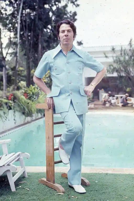 Silvio Santos surge em foto rara com pose de galã; confira