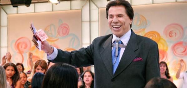 Brinque como Silvio Santos: Existe game para salvar TV da falência e montar programação