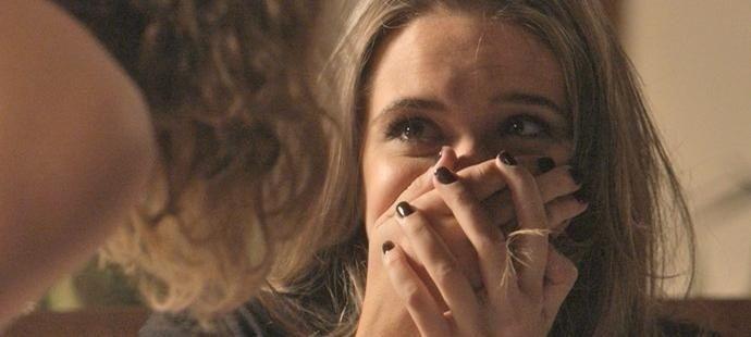 Totalmente Demais: Cassandra tenta exorcizar Sofia e se borra toda