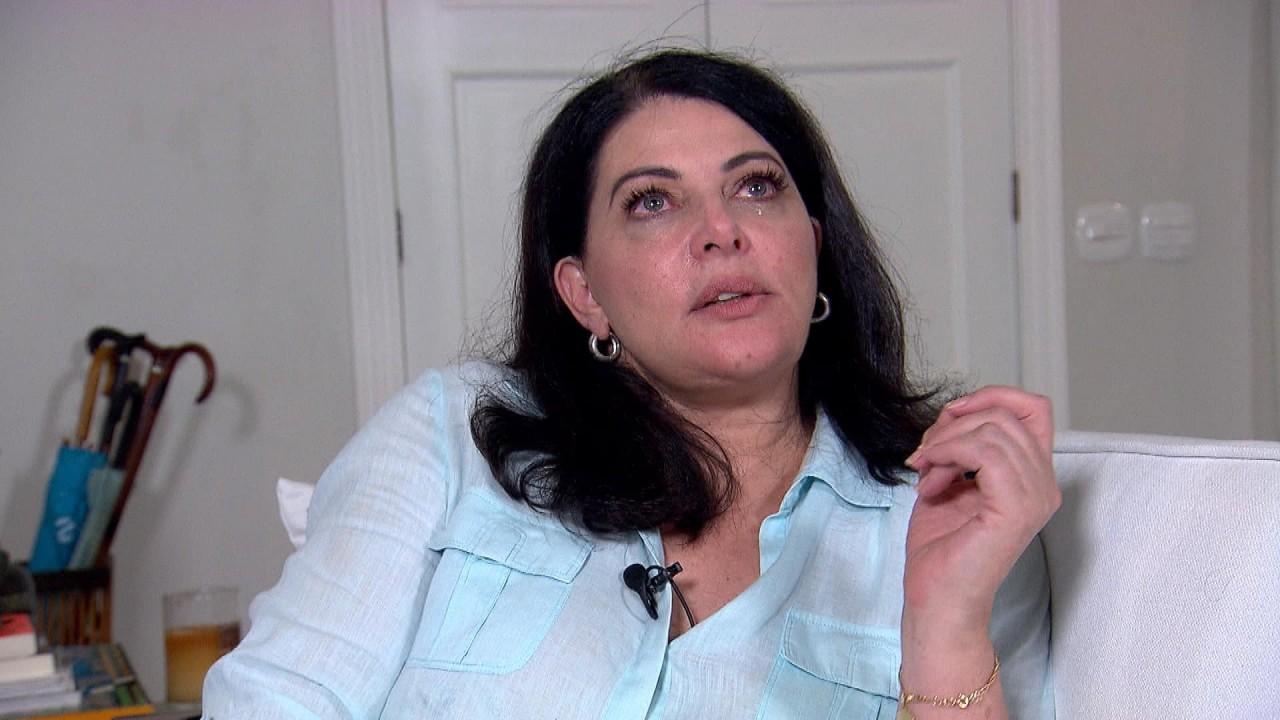 Sônia Lima chorando