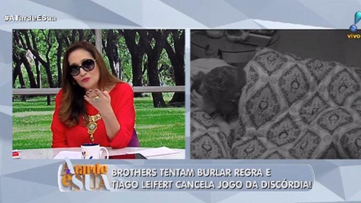 """Com conjuntivite, Sônia Abrão apresenta o \""""A Tarde é Sua\"""" de óculos escuros"""