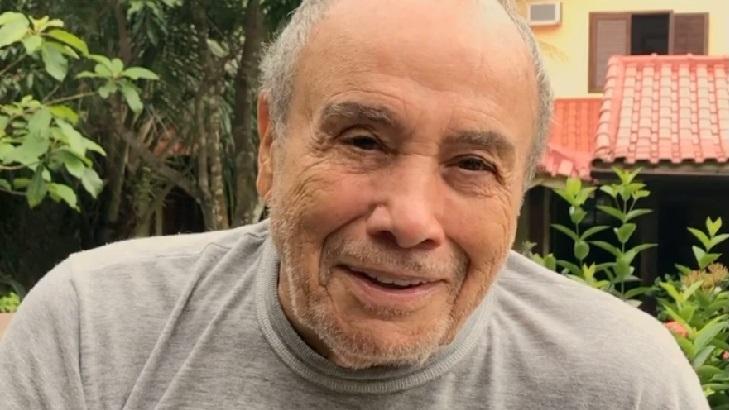 Longe das novelas, Stênio Garcia celebra vacina e fala da saudade de Nicette Bruno