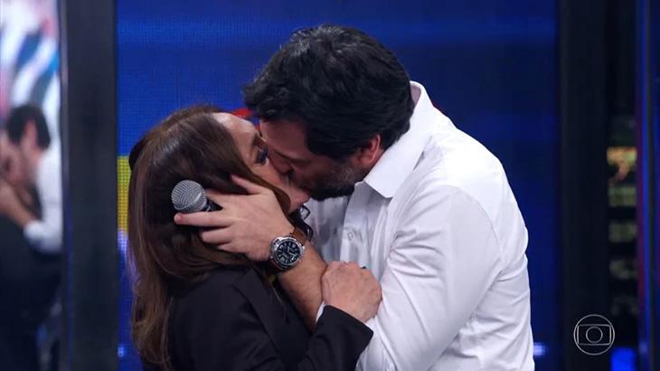 Baixou a Hebe: Susana Vieira ganha selinho de Ivete, Tom, Lombardi e até de Faustão