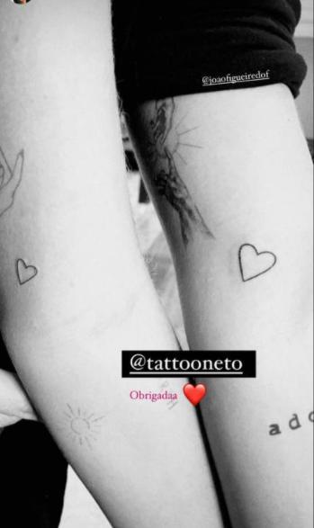 Após noivado, Sasha e João Figueiredo fazem a mesma tatuagem juntos