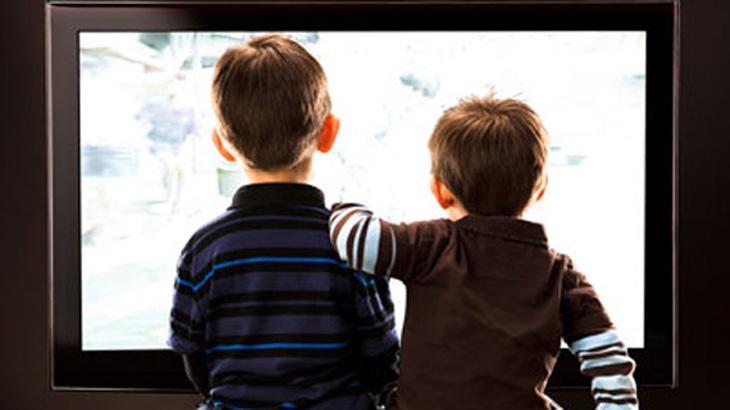 televisao-criancas-ilustracao_472c36638f1878e929c223a6bed196011ed9f014.jpeg