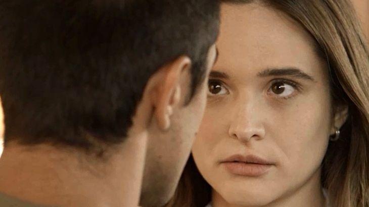 Salve-se Quem Puder: Luna se entrega a Téo pela primeira vez em viagem romântica