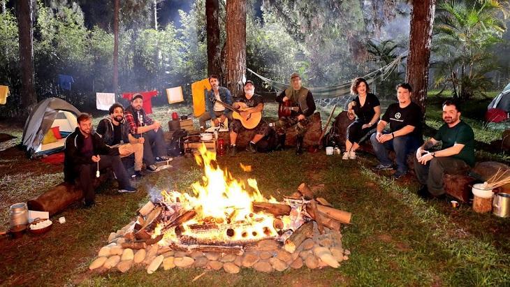 The Noite comemora Halloween com programa especial no bosque do SBT