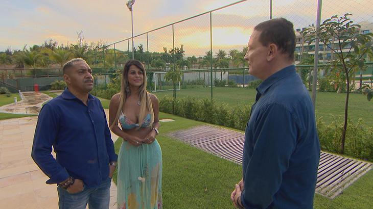 Tiririca chora e fala de propinas em entrevista a Roberto Cabrini