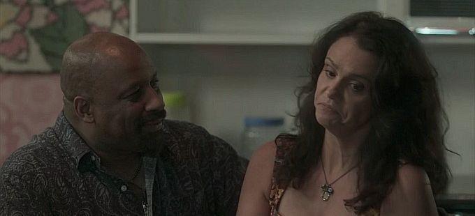 Totalmente Demais: Florisval pede Rosângela em casamento e se choca com resposta