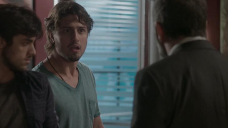 """Totalmente Demais: Rafael desafia Germano: \""""Não bato em velho\"""""""