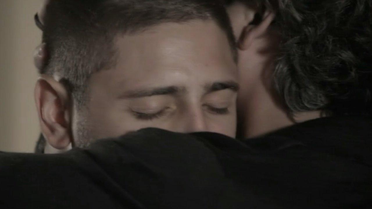 Lucas e José Alfredo abraçados