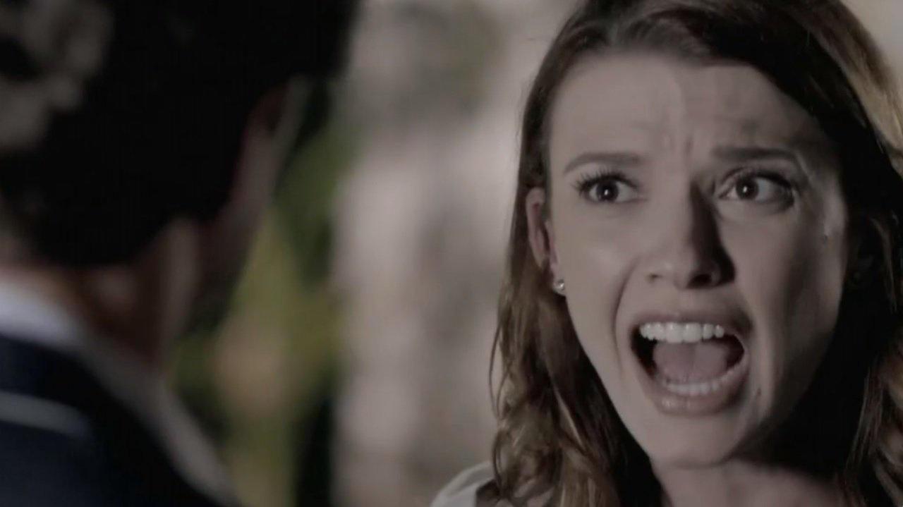 Império: Helena descobre golpe e ameaça acabar com leilão