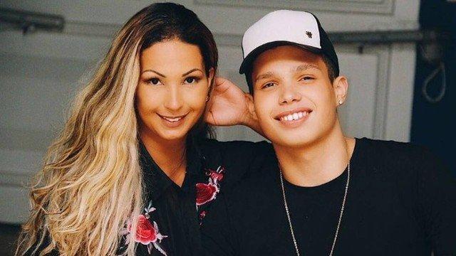 Mães jovens: Confira cinco famosas que tiveram filho antes dos 21 anos