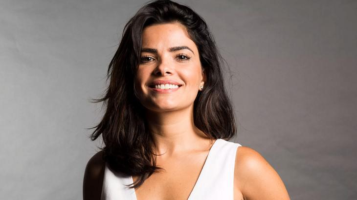 Vanessa Giácomo sorrindo