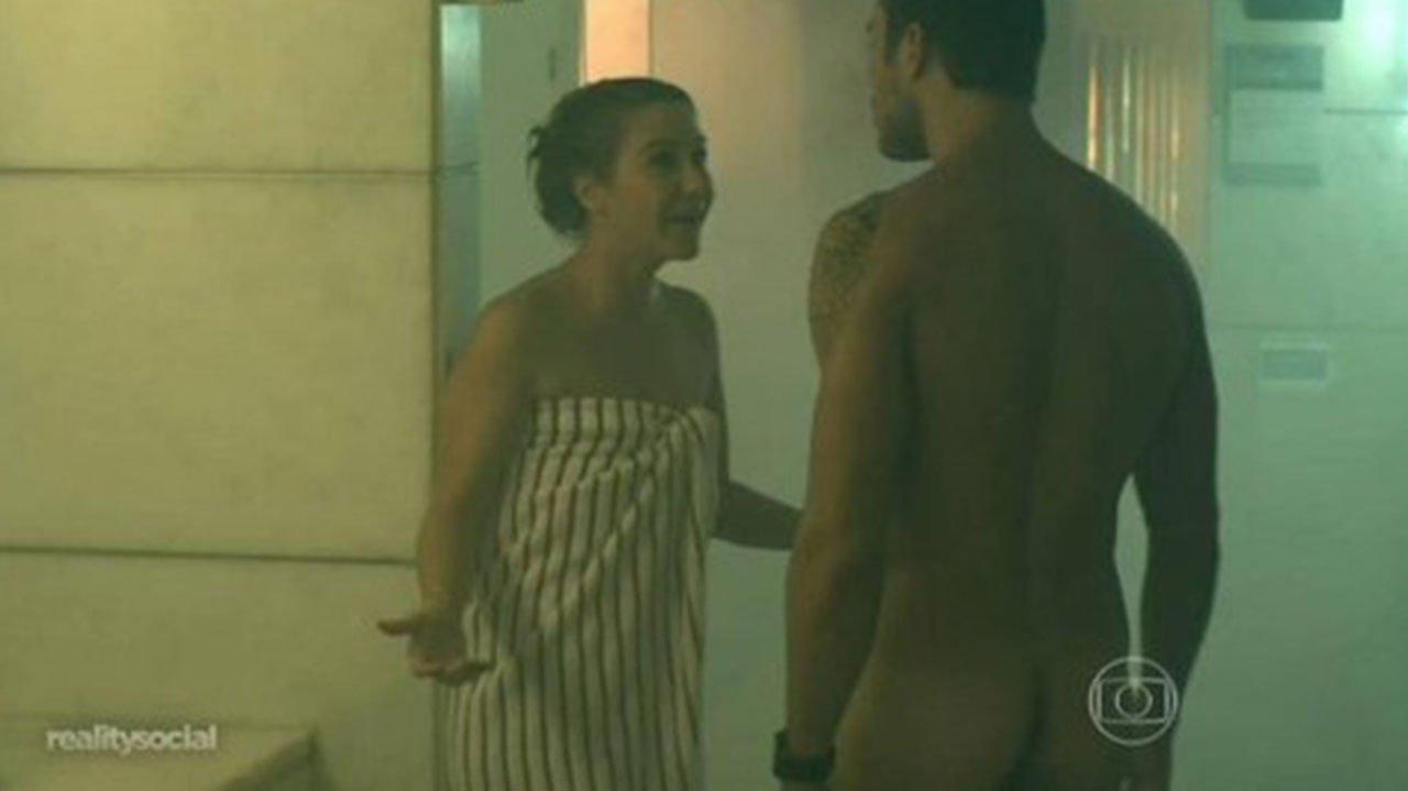 De Camila Queiroz a Grazi Massafera: Relembre os nudes de Verdades Secretas