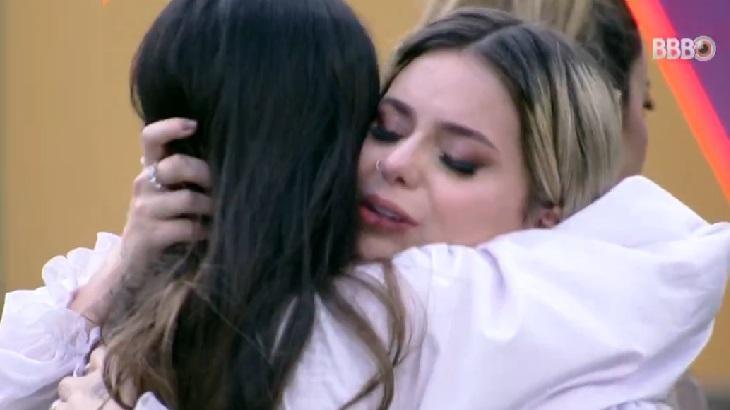 """Viih Tube se defende após choro com Juliette: \""""Não julguem minhas lágrimas\"""""""