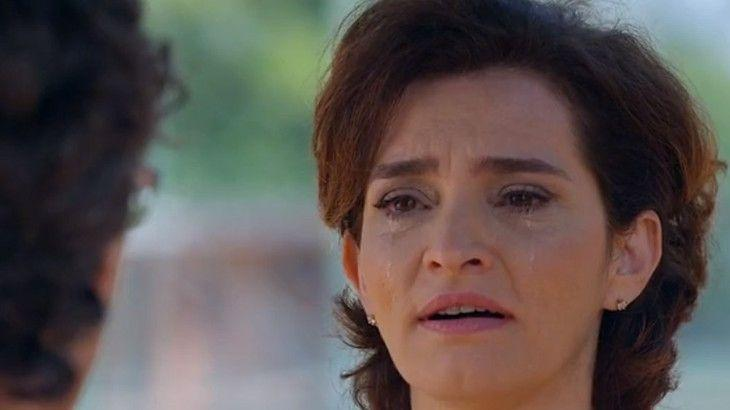 A Vida da Gente: Renato procura Vitória para resolver assunto inacabado