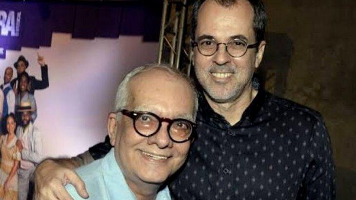 Artur Xexéo e Paulo Severo posados para foto