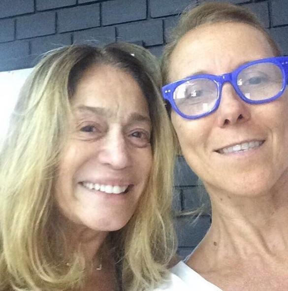 """Susana Vieira posta foto sem maquiagem e \""""quebra\"""" a web: \""""Linda até de cara limpa\"""""""