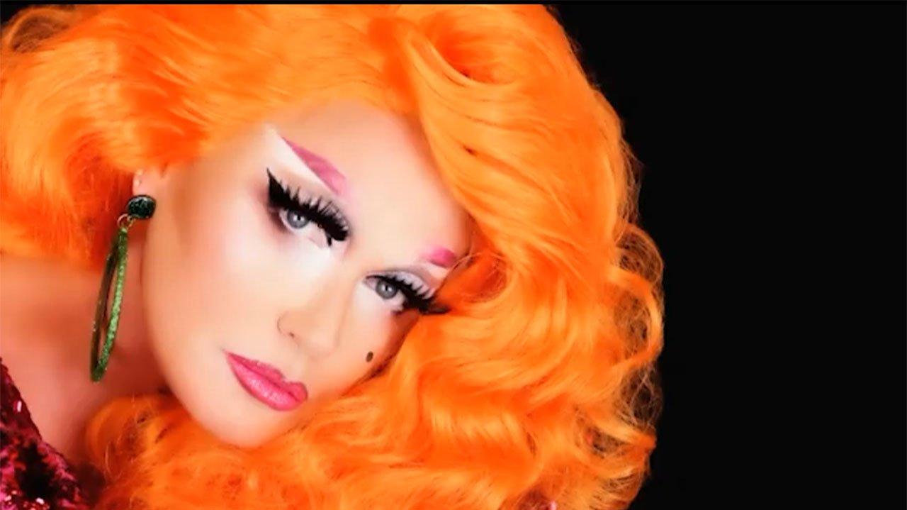 Xuxa posada como drag queen