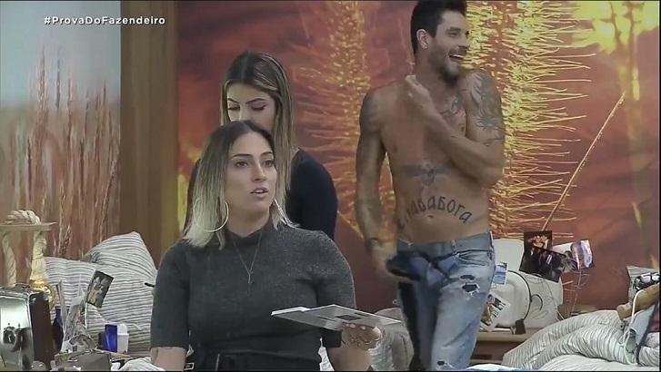 """A Fazenda 11"": Andréa discute com Tati"