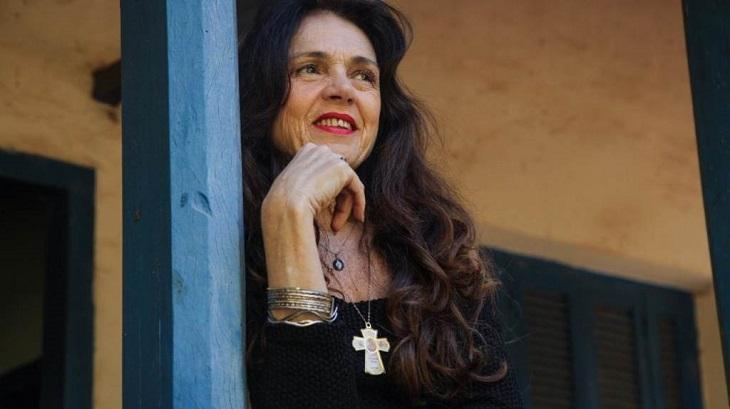 """Musa da pornochanchada conta que foi vetada por diretor da Globo: \""""Sofri preconceitos\"""""""