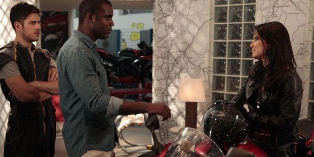 Fina Estampa: Zuleika volta à Fashion Moto como cliente e faz compra milionária
