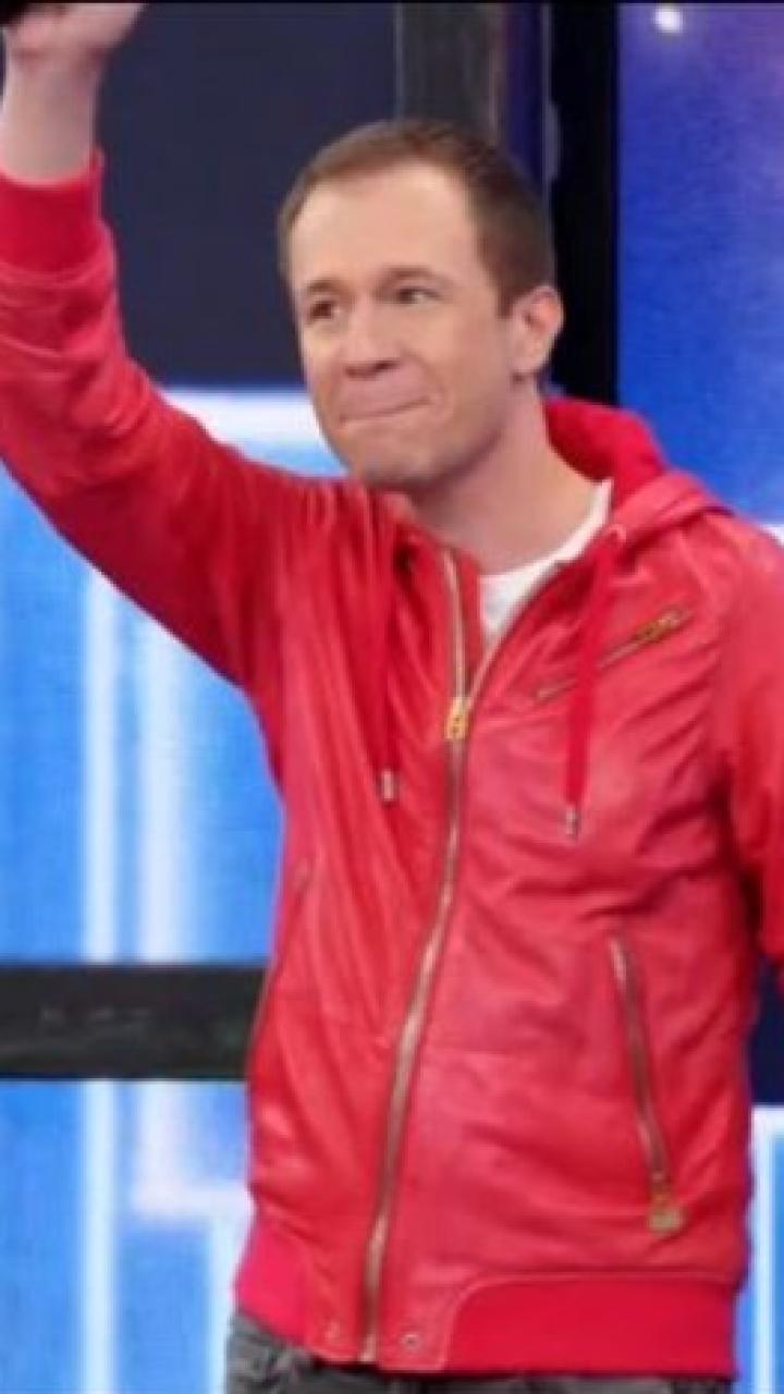 Tiago Leifert dança no Domingão