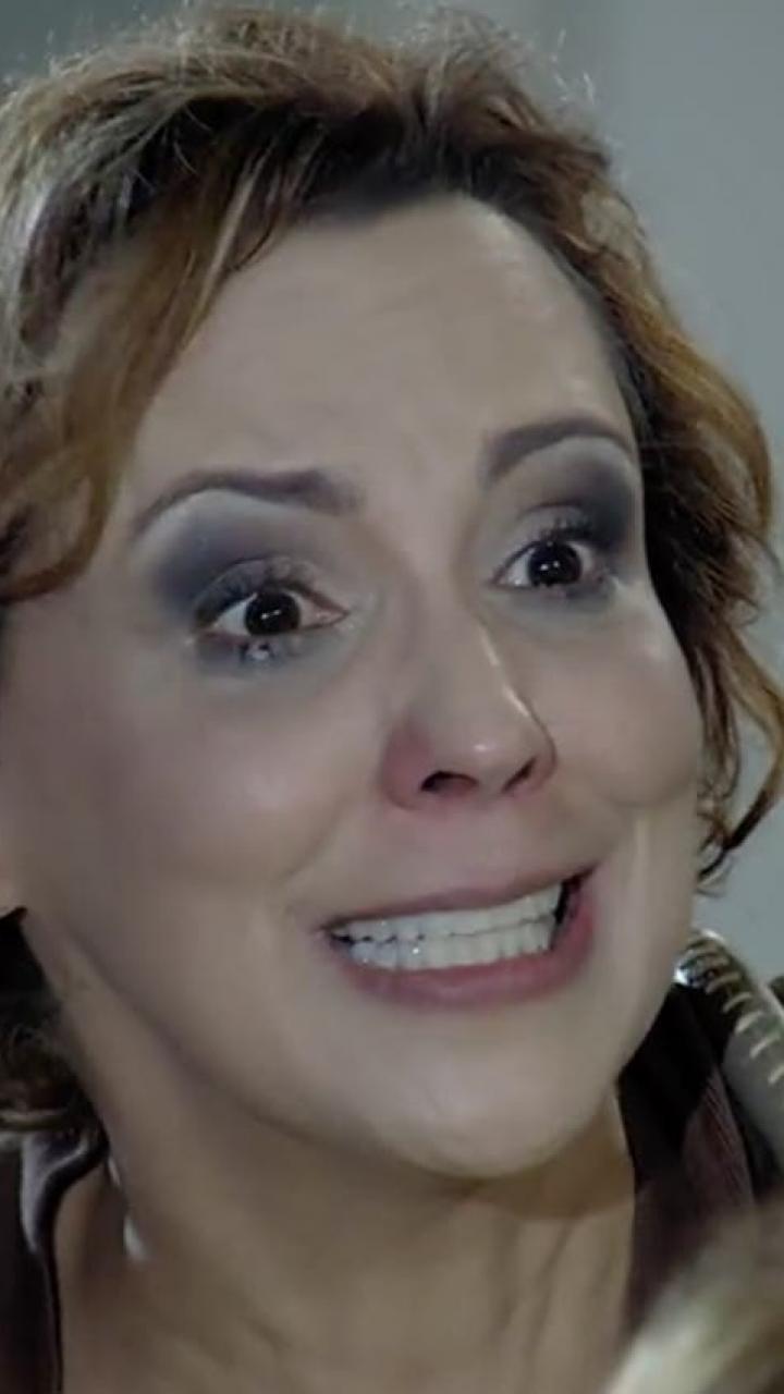 Eva chora em cena de A Vida da Gente