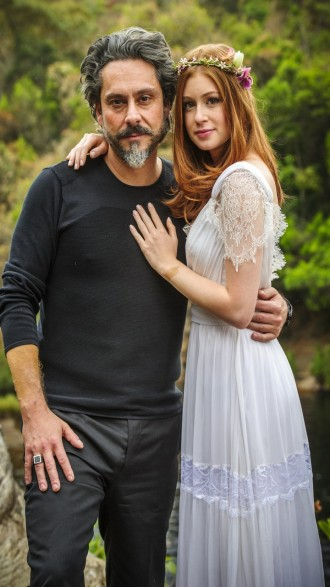 José Alfredo e Maria Isis abraçados